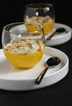 Crema pasticcera con latte di mandorla cotta al microonde