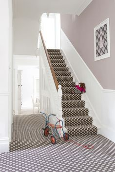 The Alternative Flooring Quirky B Spotty Grey Carpet is an understated, natural addition to any room of your home. Hallway Carpet Runners, Cheap Carpet Runners, Stair Runners, Grey Carpet Hallway, Beige Carpet, Modern Carpet, Quebec, Image New, Patterned Stair Carpet
