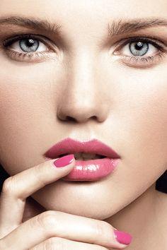 Hollywood Fashion Secrets - Lookbook