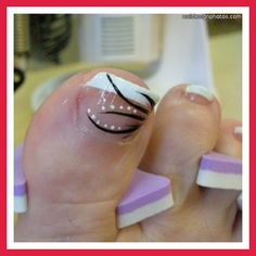 French pedicure with design Simple Toe Nails, Cute Toe Nails, Toe Nail Art, Fancy Nails, Love Nails, Pretty Nails, Toenail Art Designs, Pedicure Designs, Toe Nail Designs