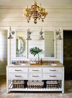 Chic Modern Tropical Decor for a Harbor Island Home in the Bahamas - Coastal Decor Ideas and Interior Design Inspiration Images Coastal Bathroom Decor, Beach House Bathroom, Nautical Bathrooms, Beach Bathrooms, Chic Bathrooms, Beach House Decor, Coastal Decor, Boho Bathroom, Seaside Bathroom