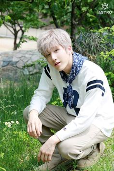 Behind the scenes of the mini album - JinJin Korean Bands, South Korean Boy Band, Korean Guys, Astro Summer Vibes, Jinjin Astro, Park Jin Woo, Astro Fandom Name, Astro Wallpaper, Lee Dong Min