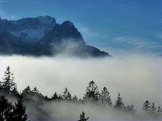 Nebel, Herbst im Wetterstein ... Waxensteine und Zugspitze in der Sonne