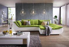 Stylische Wohnlandschaft von CARRYHOME in Grün und Weiß