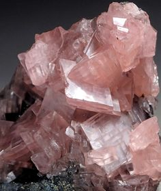 The role of colors in healing Pink Gemstones, Minerals And Gemstones, Crystals Minerals, Rocks And Minerals, Stones And Crystals, Gem Stones, Crystal Magic, Beautiful Rocks, Rock Collection