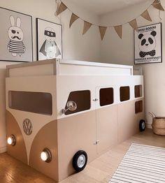 """Kidsroom & Inspiration ♡ su Instagram: """"Egenbyggd säng och krypin i ett. Så fin 😍👌 Credit: @yayanaomi"""" Beach Shack, Vw Bus, Kidsroom, Kids Bedroom, Baby Room, Playroom, Toddler Bed, House Design, Inspiration"""