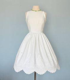 Vintage 1960s Wedding Dress...JONATHAN LOGAN White Cotton Pique Wedding Dress Alternative Wedding Dress Medium