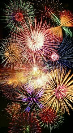Fireworks Festival, Festival Lights, Blue Butterfly Wallpaper, Fireworks Photography, Fire Works, Bonfire Night, Happy Birthday Messages, Wedding Pinterest, Drawing For Kids