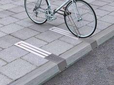 Yeminli Sözlük - Dünyadan Bisiklet Park Yeri ve Taşıma Örnekleri
