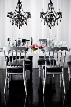 Breathe new life into your dining room with these simple decorating ideas, or overhaul the whole works with a remodeling project. Let us provide some design and decor inspiration pictures for your new and improved dining room.