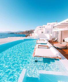 @honeymoonreviews // Wishing I was spending my Monday in Mykonos! Locatio