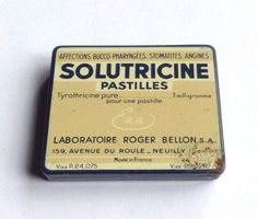 Vintage French metal medicine tin pill box from 1950s - SOLUTRICINE Made in France - pharmacy apothecary collectors item