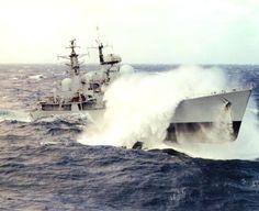 Naval History, Us History, Marina Real, Sea State, Missouri, Model Warships, Storm Photography, Navy Day, Royal Australian Navy