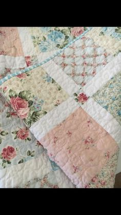 vintage shabby chic quilts & vintage shabby chic quilts & home decoration & haus dekoration Quilt Baby, Baby Girl Quilts, Girls Quilts, Rag Quilt, Scrappy Quilts, Easy Quilts, Quilt Blocks, Amish Quilts, Shirt Quilt