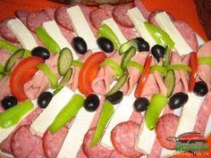 Aperitive reci - idei de platouri aperitive Muslim Beliefs, Roasted Eggplant Dip, Everyday Prayers, Up Halloween, Morning Light, Food Design, Fruit Salad, Food Art, Restaurants