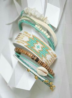Personalized Photo Charms Compatible with Pandora Bracelets. Bead Loom Designs, Bead Loom Patterns, Bracelet Patterns, Beading Patterns, Seed Bead Jewelry, Beaded Jewelry, Handmade Jewelry, Seed Beads, Bead Loom Bracelets