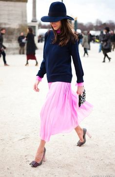Boyfriend sweater and pink skirt - love the combo