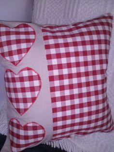 Check panel on back Cushion Cover Designs, Bed Cover Design, Pillow Design, Cushion Covers, Pillow Covers, Sewing Pillows, Diy Pillows, Decorative Pillows, Throw Pillows
