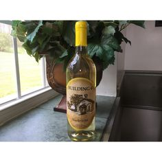 A sweet Lemon wine, light and refreshing and perfect for a summer day. House Built, Summer Days, Homeschool, Lemon, Wine, Drinks, Bottle, Building, Drinking