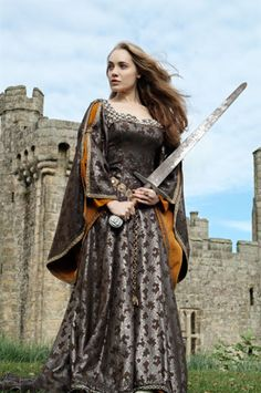 Richard Jenkins Photography #medieval Girl with sword wearing great dress. Yes.