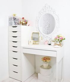 Ikea Alex and Micke hack: Heres an update of my Vanity corner in my office/beauty room I assembled everything myself! The Alex 9 took me 2 hours while the Micke desk around 40 minutes. Both including my mirror # from Ikea Makeup Vanity, Diy Vanity, Ikea Makeup Storage, Makeup Set, Vanity Desk Ikea, Alex Drawer Vanity, Makeup Vanity Tables, Corner Vanity Table, Makeup Table Ikea