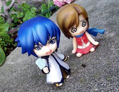 Kaito: Hey you! Don't take my ice cream. Meiko: Kaito's scarf is so softy omfg