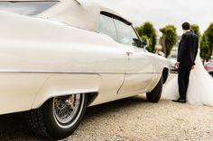 La voiture des mariés. Cadillac blanche.