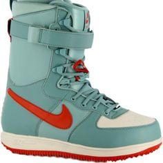 Women's Nike snowboard boots! <3
