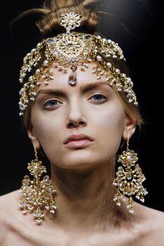 Byzantine Bridal look - Alexander McQueen