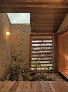 12月24日 小田渕の家オープンハウス : irei blog Japanese Modern House, Japanese Interior Design, Patio Interior, Interior Design Kitchen, Architecture Design, Tropical House Design, Bedroom Minimalist, House Entrance, Glass House