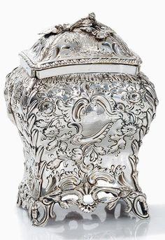 Henry Bailey, Tea Caddy, Sterling Silver, London, 1768/69