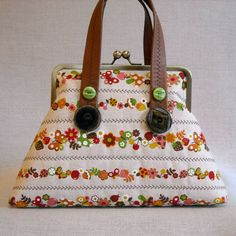 quilted frame purse Woodland Stripe from IVANandLUCY http://www.etsy.com/shop/IVANandLUCY/ #bags #buttons
