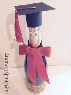 Creare una bottiglia laureata: idea creativa per la festa di laurea