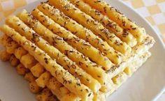 Vynikající jsou na oslavy, párty nebo jen tak ke filmu. Bread And Pastries, Czech Recipes, Ethnic Recipes, Snack Recipes, Cooking Recipes, Salty Snacks, Hungarian Recipes, Pastry Recipes, Food Pictures