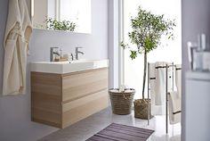 German Ikea catalogue - note purple-y walls.  MM would <3   Badezimmer mit GODMORGON Waschbeckenschrank mit Doppelwaschbecken und 4 Schubladen Eicheneffekt weiß lasiert