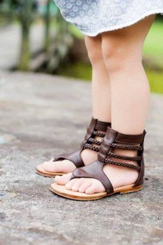 Gladiator style sandals for wee fee is almost too much! Little Girl Fashion, My Little Girl, My Baby Girl, Toddler Fashion, Kids Fashion, Toddler Shoes, Kid Shoes, Girls Shoes, Toddler Girl