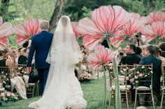 まるで妖精の世界!ジャイアントペーパーフラワーで作った結婚式がおとぎ話級の可愛さ♡にて紹介している画像 Backdrop Decorations, Flower Decorations, Backdrops, Wedding Decorations, Giant Paper Flowers, Big Flowers, Perfect Wedding Dress, Dream Wedding Dresses, Luxury Wedding Venues