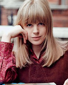 Marianne Faithfull - Celebrity Bangs Hairstyles – Bangs Hairstyles - Elle#slide-8#slide-8