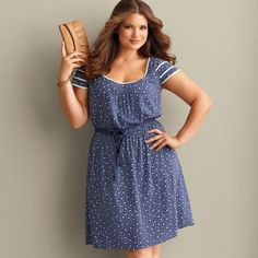 lindo! Beautiful summer style for curvy women. Delicate and alluring.