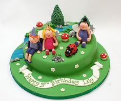 Ben and holly cake Cbeebies Cake, Ben And Holly Cake, Single Tier Cake, Beautiful Birthday Cakes, Character Cakes, Disney Cakes, Birthday Cake Toppers, Tiered Cakes, Party Cakes