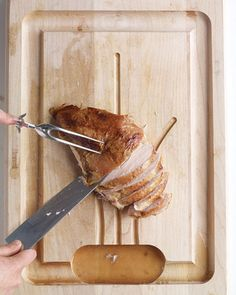 4 Easy Steps to Carving a Turkey