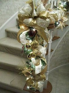 Gold Christmas Staircase - I like the idea of extra ornaments on the garland Christmas Stairs, Christmas Home, Christmas Holidays, Christmas Wreaths, Christmas Fireplace, Christmas Island, Christmas Vacation, Christmas Lights, Merry Christmas