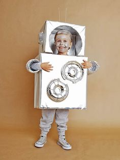 These kids halloween costumes are faster than the lineup at the party store and easier than one of those fancy pumpkin-carving stencils. Robot Halloween Costume, Halloween Costumes Kids Homemade, Robot Costumes, Last Minute Halloween Costumes, Halloween Kids, Halloween Crafts, Diy Costumes, Diy Robot, Toddler Costumes