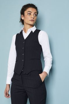 Qualitas Female Waistcoat - Qualitas Female Waistcoat Source by danaabney - Tomboy Outfits, Tomboy Fashion, Look Fashion, Cute Outfits, Fashion Outfits, Fashion Design, Queer Fashion, Gothic Fashion, Mode Vintage