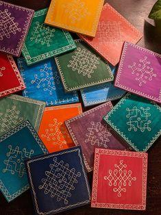 Small Rangoli Design, Rangoli Kolam Designs, Rangoli Designs With Dots, Rangoli Designs Images, Rangoli With Dots, Beautiful Rangoli Designs, Simple Rangoli, Dot Rangoli, Colour Rangoli