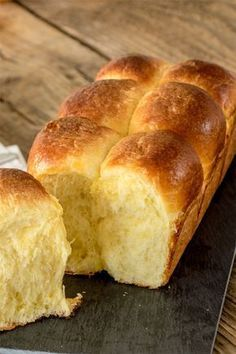 Drink Recipes 73665 The recipe for Nanterre brioche. A classic brioche, perfect for breakfast or afternoon tea. Meat Recipes, Cookie Recipes, Snack Recipes, Dessert Recipes, Snacks, Drink Recipes, Tumblr Food, Party Food And Drinks, Breakfast Time