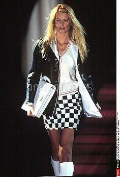 gianni versace fall 1995 claudia schiffer