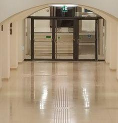 Beton, Estrich, Terrazzo, - reinigen, schleifen, dauerhaft versiegeln. Terrazzo, Anti Aging, Loft, Furniture, Home Decor, Concrete Floor, Ribbons, Cleaning, Decoration Home
