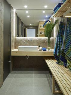 Molins Interiors // arquitectura interior - interiorismo - decoración - baño - bathroom - rústico - picturesque - porcelánico - tiles - vestidor - dressing room