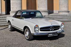 Mercedes-Benz 280 SL Mercedes Benz Classes, Mercedes 280, Classic Mercedes, Mercedes Benz Cars, Vintage Cars, Antique Cars, Cool Cars, Dream Cars, Classic Cars